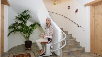 Alpha chair stairlift HQ (1).JPG